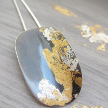 Load image into Gallery viewer, Black and gold oval pendant