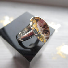Load image into Gallery viewer, Black And Gold Oval Curve Ring