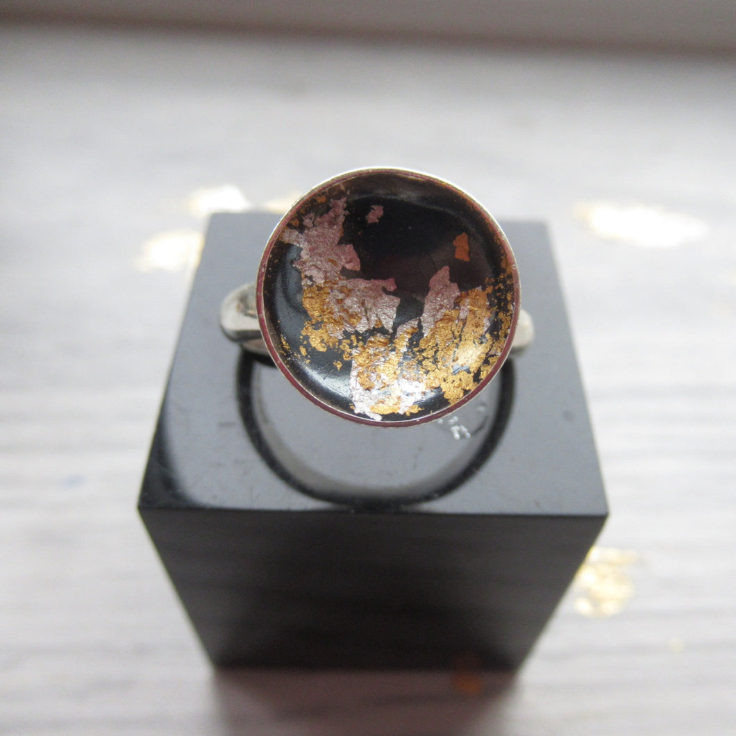 Ring - Black and gold