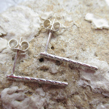 Load image into Gallery viewer, Sterling Silver Twisted Rod Earringsh
