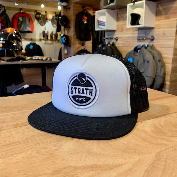 STRATH MOTO BLACK AND WHITE TRUCKER HAT
