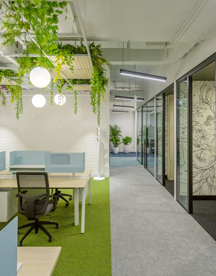 Workplace One Offices - Toronto, Designed by Straticom, Photograph by Bob Gundu | OFFICESNAPSHOT