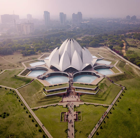 Lotus Temple, New Delhi. Credit : Reddit