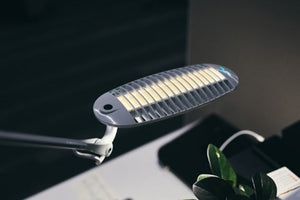 Wave Light I - Desktop LED light with 3 stage dimmer