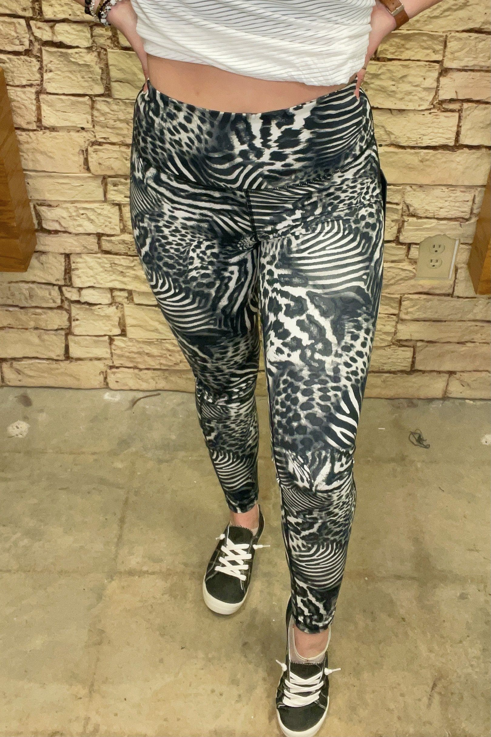 Highwaist Legging UNDER K.Lane's Boutique