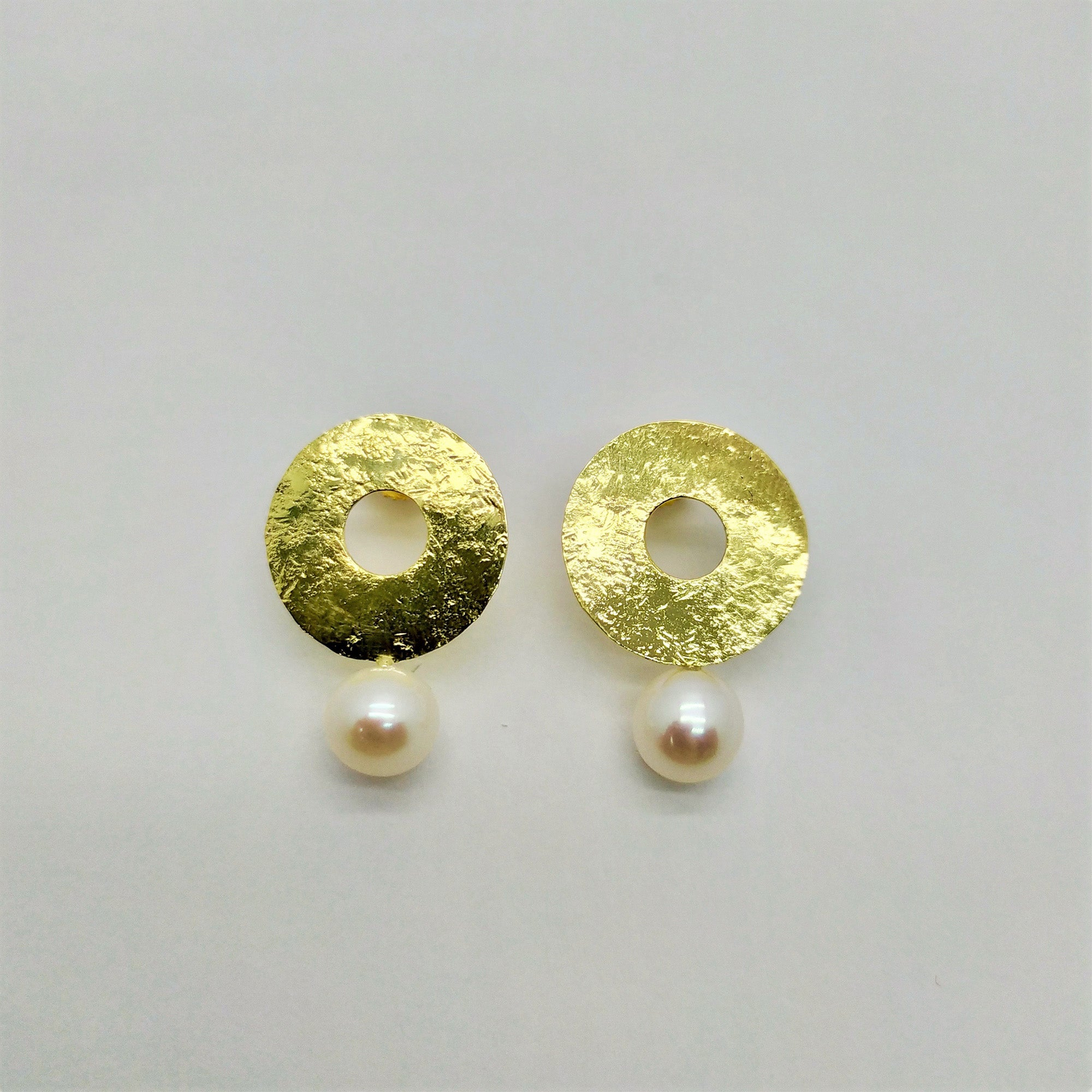 """Pearl Hat"" Earrings - Florentine Handmade Jewellery"