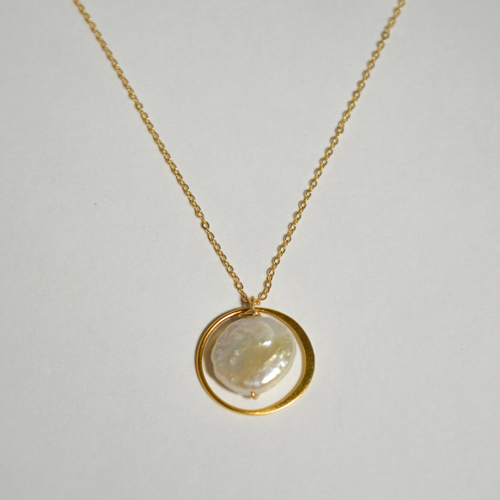 Pearl in Eternity Circle Necklace
