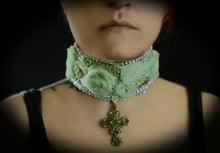 Load image into Gallery viewer, Green rhinestones silver cross choker