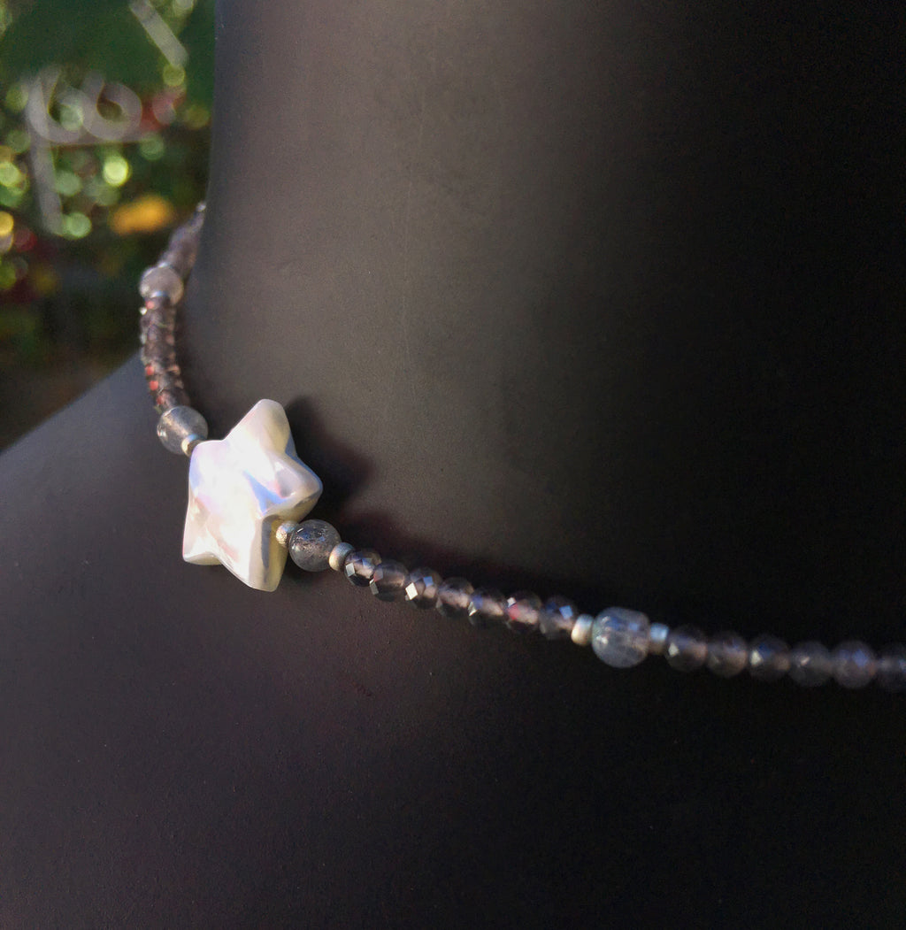 Women's Gray Agate, Labradorite Gemstone & Mother of Pearl Star Choker
