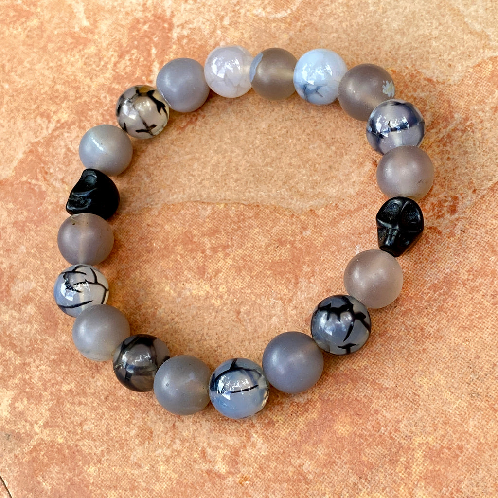Men's Labradorite, gray agate, dragon's vein agate and howlite Skull Gemstone stretch Bracelet