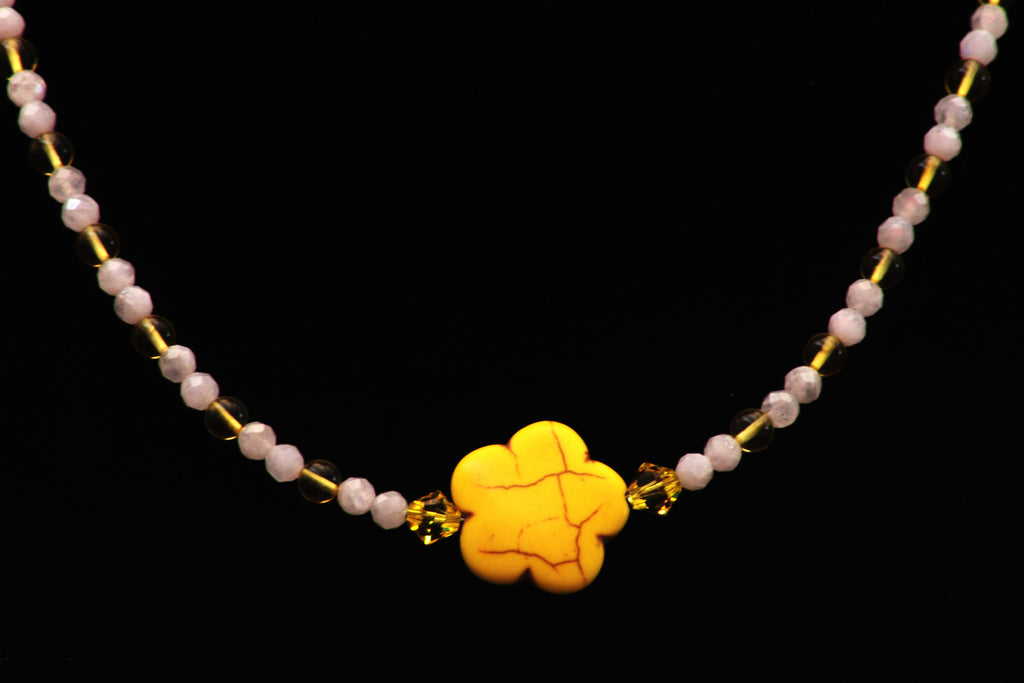 Women's Howlite Flower Necklace