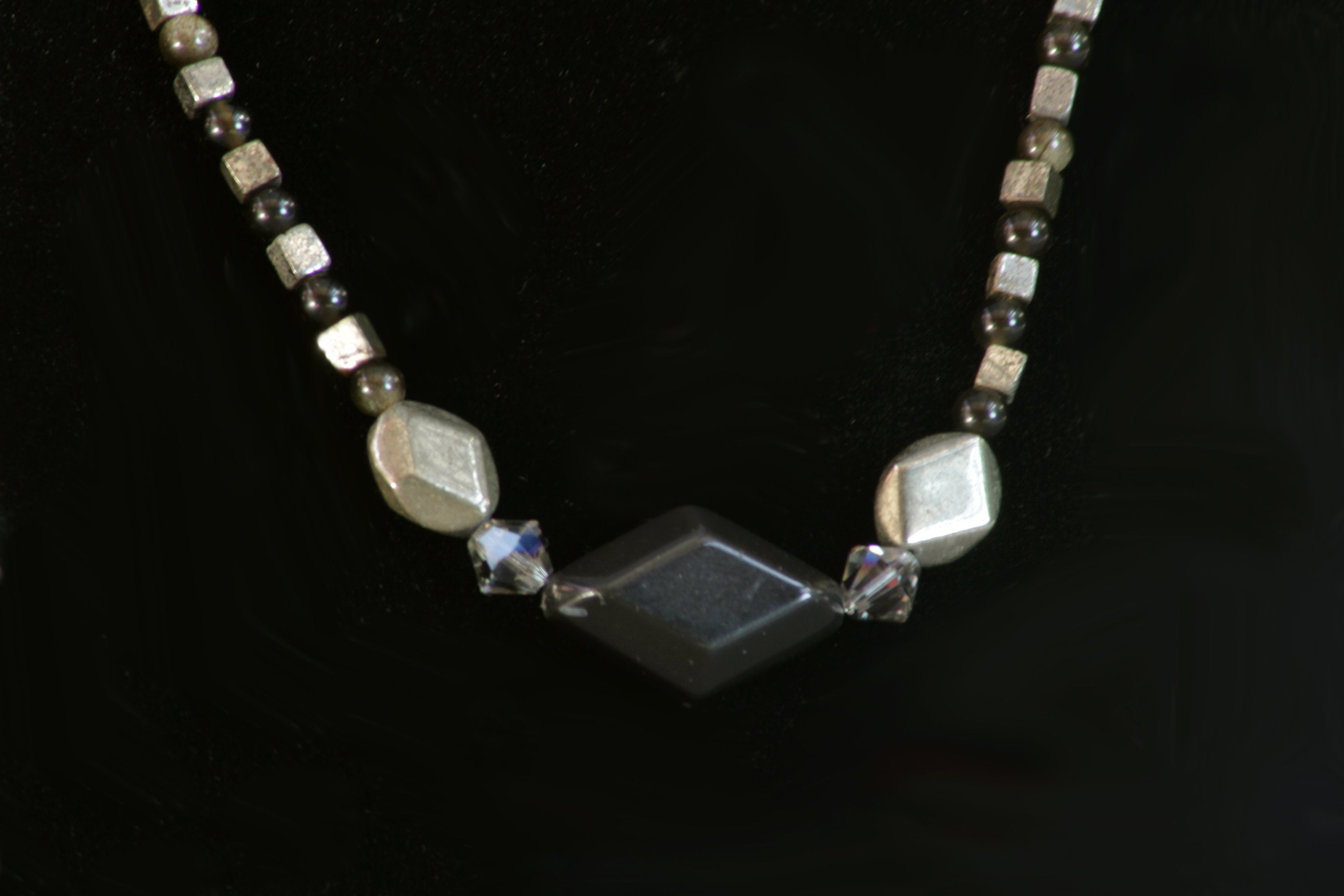 Women's Agate & Obsidian Necklace