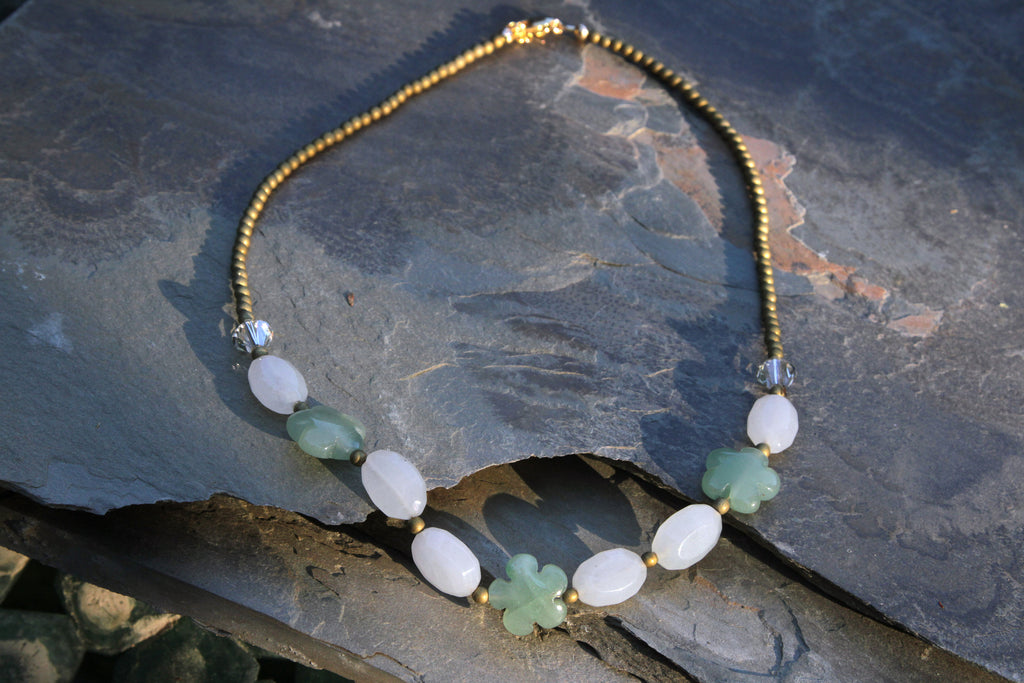 Women's New Jade & Aventurine Gemstone Flower Necklace