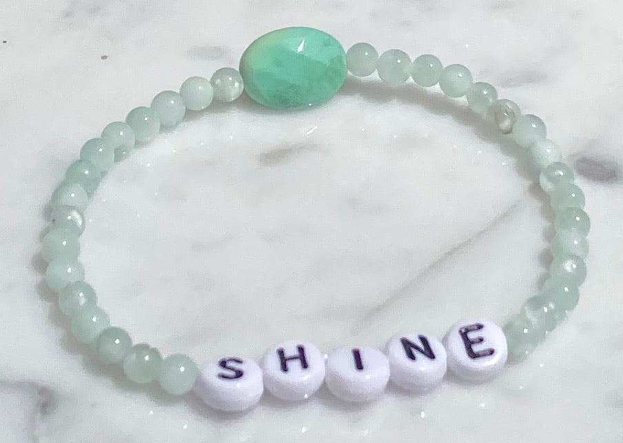 "Green moonstones and green opal ""shine"" stretch bracelet"