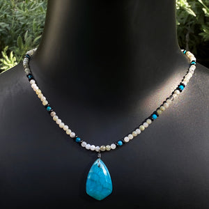 Men's Blue dragon's vein Agate Pendant Necklace with White Labradorite Gemstones