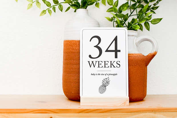 Pregnancy Milestone Cards | Baby Announcement | Expecting Mom Gift 1