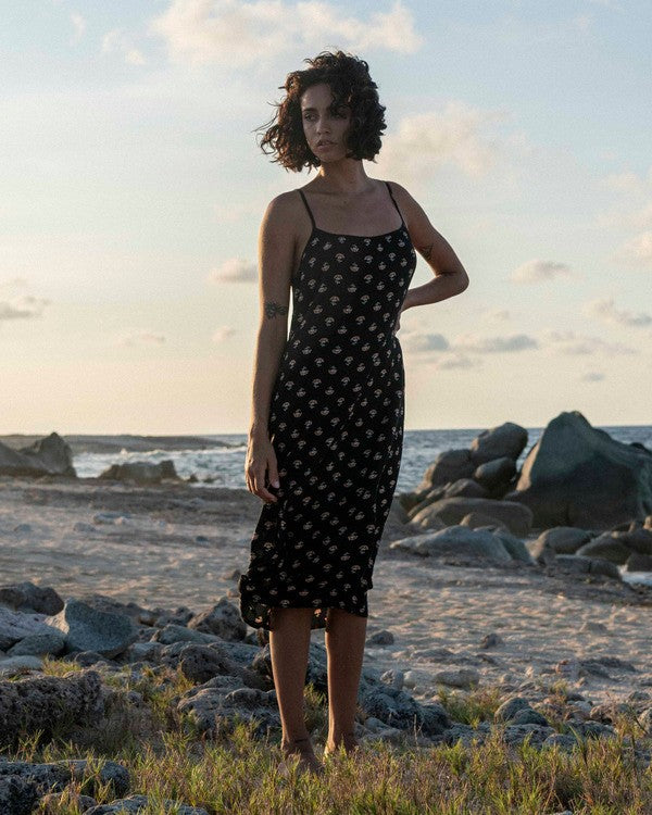 Sandy Beach Midi Dress (BLK)