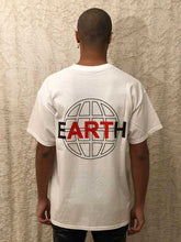 Load image into Gallery viewer, Leroyaume T-shirt Streetwear EARTH Blanc Dos Porté