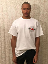Load image into Gallery viewer, Leroyaume T-shirt Streetwear EARTH Blanc Face Porté