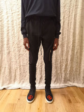 Load image into Gallery viewer, Jogging slim streetwear leroyaume black porté