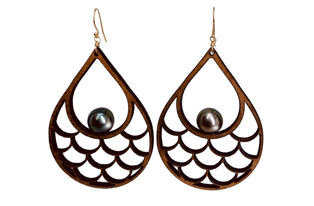 Unahi i'a Earrings