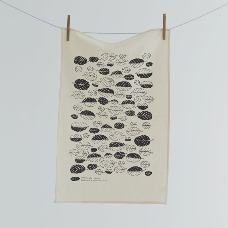 Tea towel featuring native NZ plant
