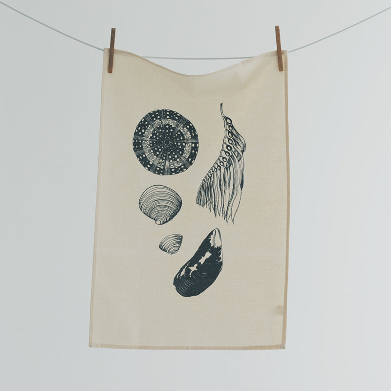 Tea towel featuring NZ sea life