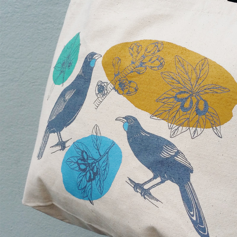 Canvas tote bag featuring NZ native birds and plants
