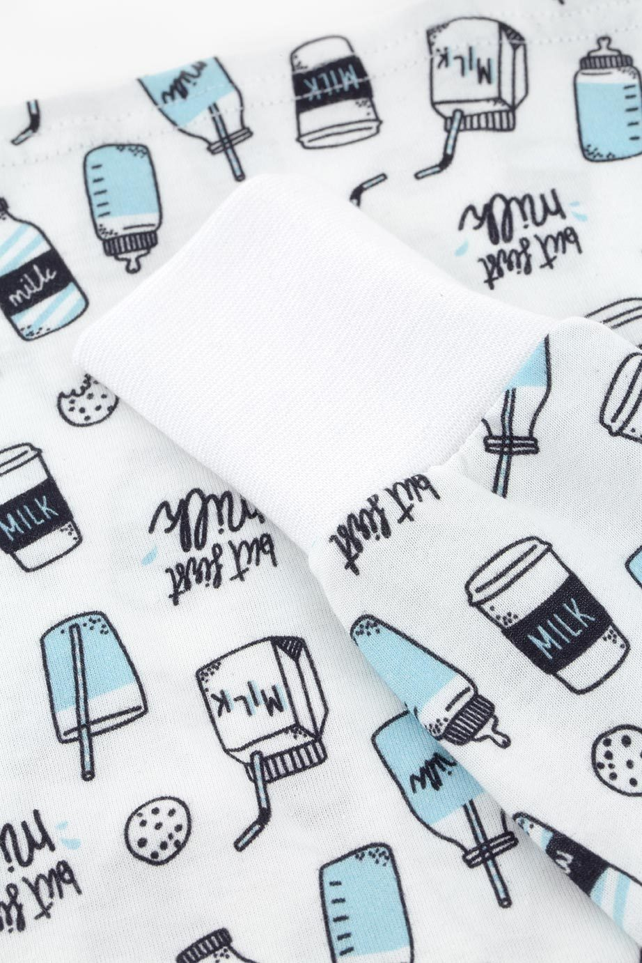 pyjamaset-kinderpyjamaset-milk-milkpatterns-printdetails-milkmotives