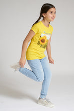 Load image into Gallery viewer, Yellow Sunflower Print T-Shirt