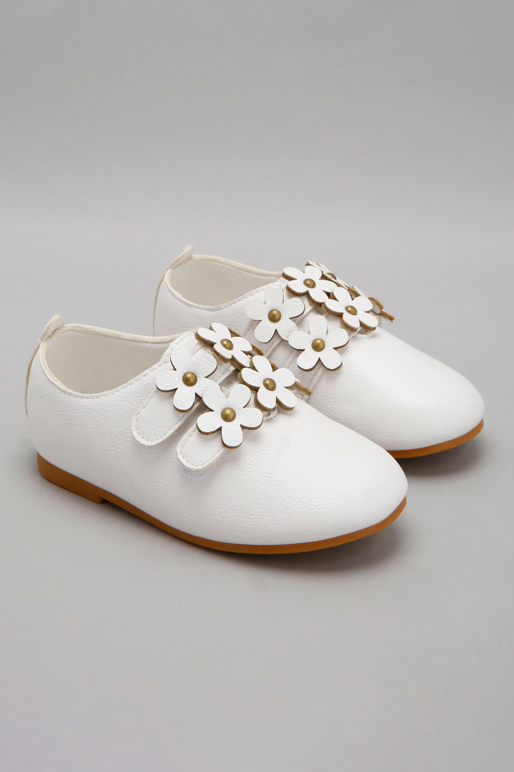 White Flower Patch Shoe
