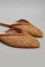 Load image into Gallery viewer, Tan Weave Upper Closed Toe Mule
