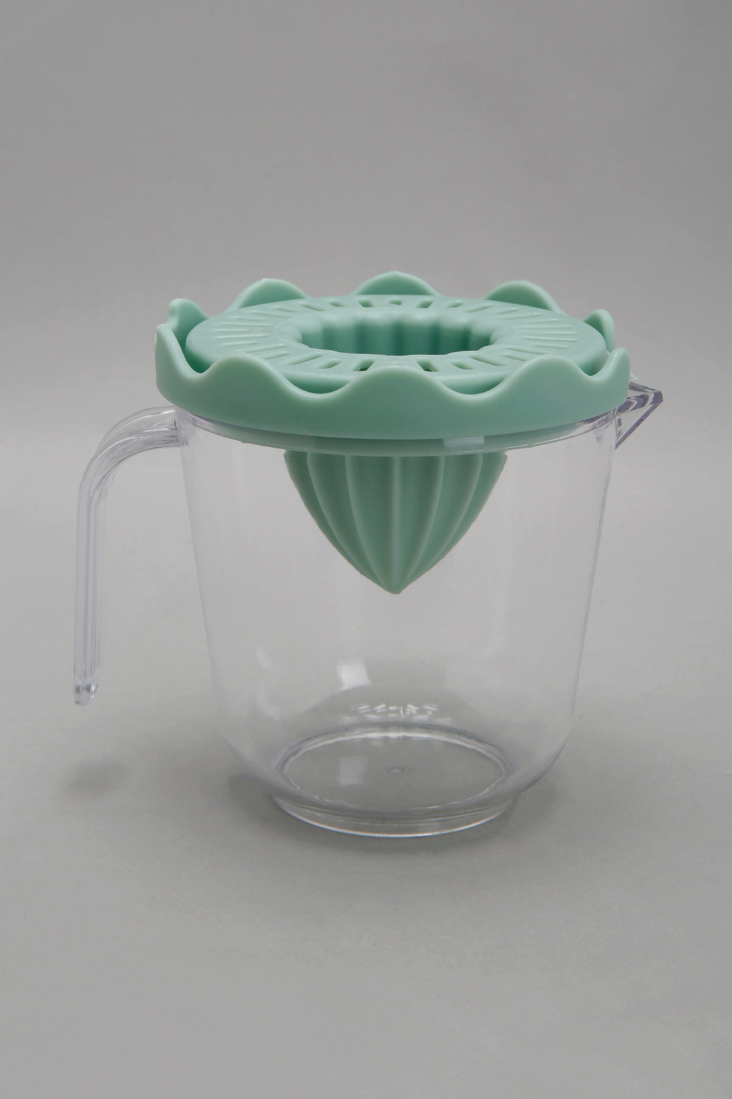 Teal Lemon Juicer