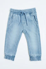 Load image into Gallery viewer, Light Wash Knitted Jogger Jean