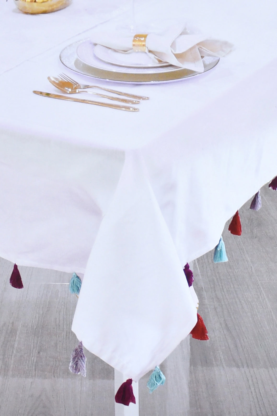 White Tablecloth with Assorted Fringes (180cm x 145cm)