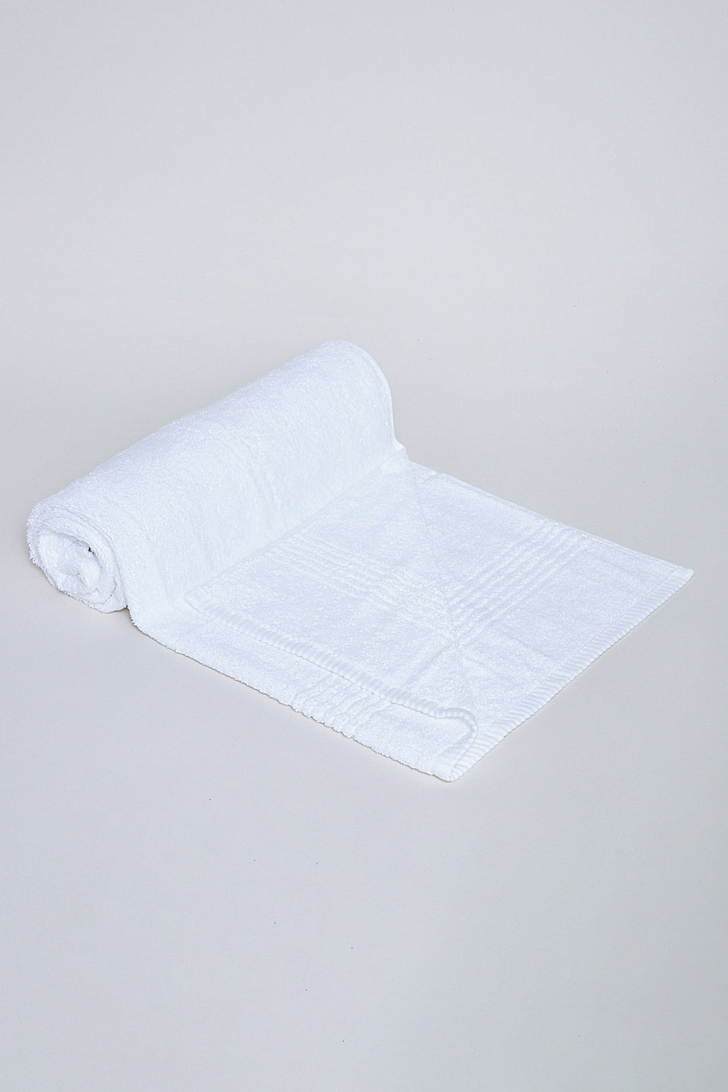White Soft Cotton Bath Towel