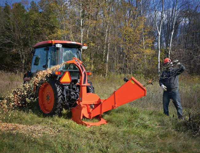 Fast and effective wood chipping with your 3PL Tractor