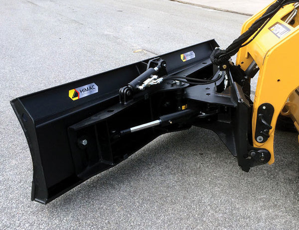 Hydraulic angling ± 30° on the Angle Dozer Blade attachment