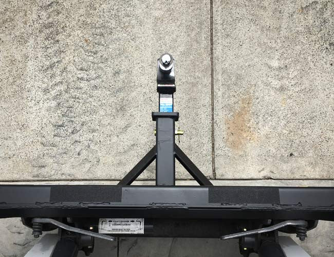Trailer spotter attachment with non-slip strips