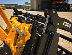 Power Grapple with heavy duty hydraulic ram protection