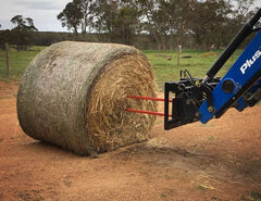 Robust Conus 2 Spears for lifting and transporting round bales