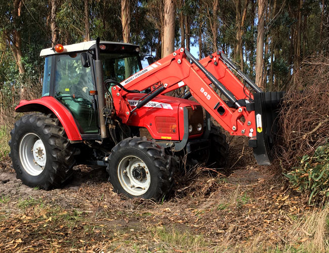 Utilise the Stick Rake on the farm for effective vegetation control
