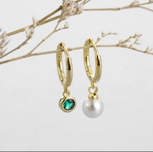 Load image into Gallery viewer, Pearl and green earrings - Sterling silver