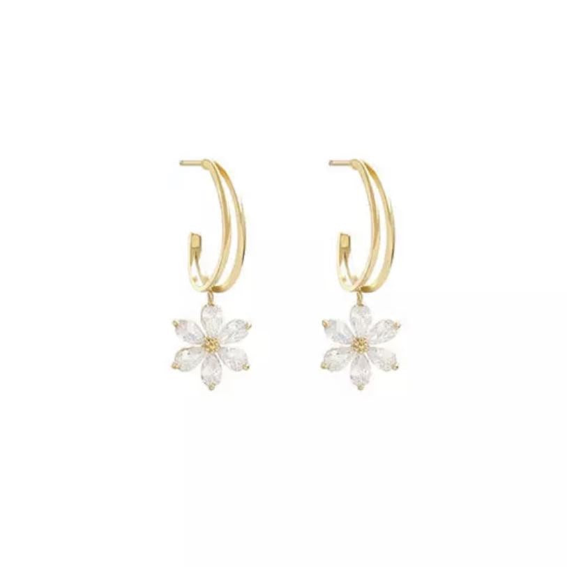 SOLD OUT Daisy crystal earrings