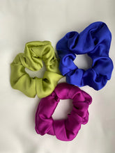 Load image into Gallery viewer, Bella hair scrunchie - Silky satin