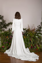 Load image into Gallery viewer, Ivory satin gown