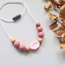 Load image into Gallery viewer, Leafy Sensory Necklace