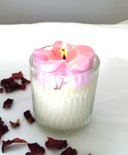 Load image into Gallery viewer, EnlightenMe Candles NZ - Frangipani Scented Soy Candle Jar