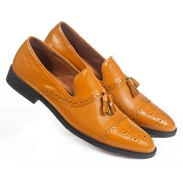 NICHE Tan Detailed Tassel Loafer