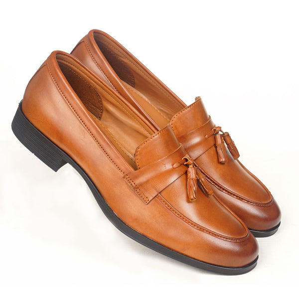 NICHE Tan Tassel Loafer